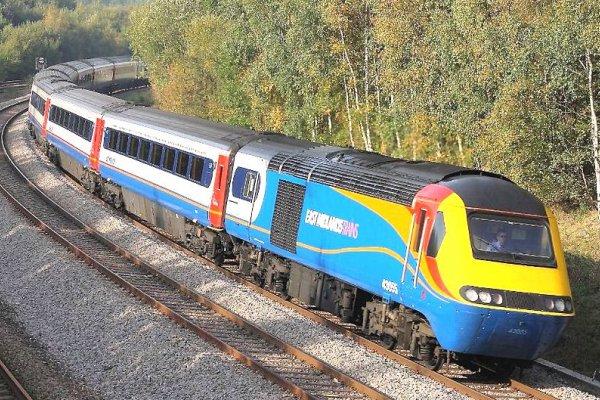 """McLoughlin """"un-pauses"""" Midlands Mainline electrification"""