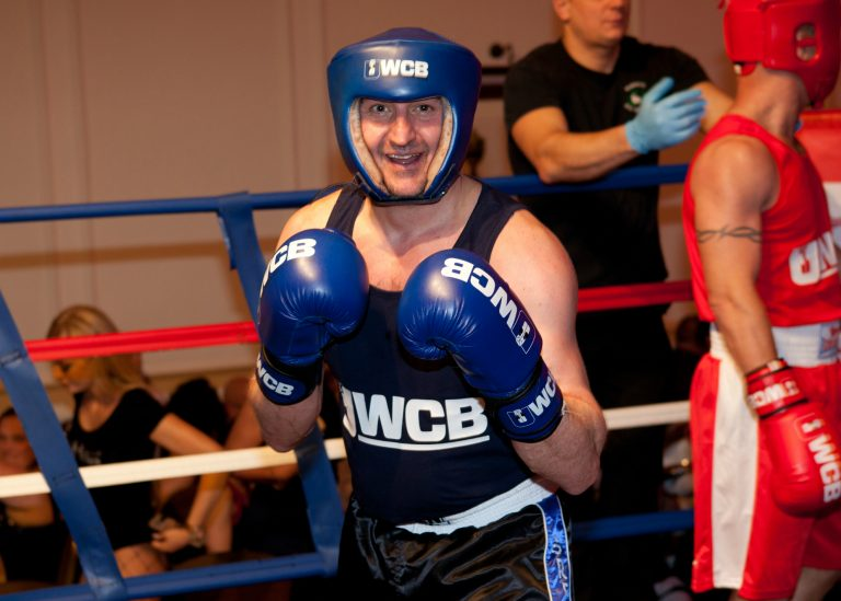 Hörmann engineer scores a hit with charity challenge