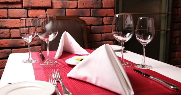 Business distress rises in UK's restaurant industry