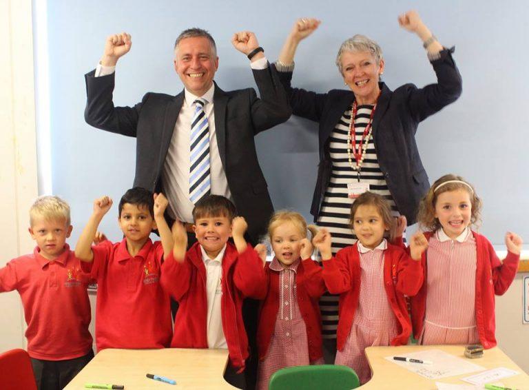 HM Lettings donates £1,000 to West Bridgford school