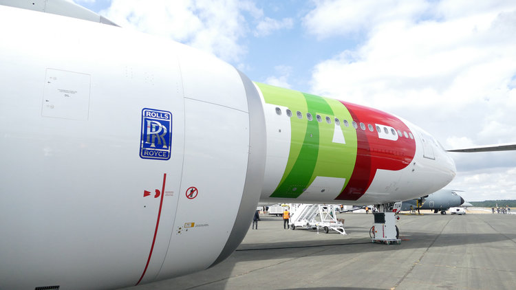 Rolls-Royce celebrates as first airbus A330neo delivered to TAP Air Portugal