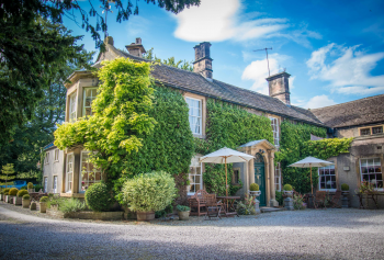 Peak District hotel sold off guide price of £1.675m