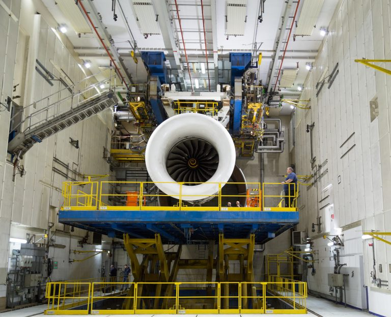 Rolls-Royce runs first engine on world's largest aerospace Testbed in Derby